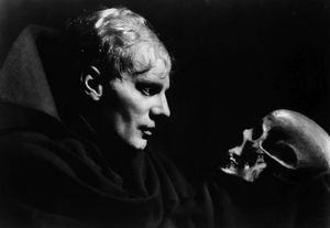 SHAKESPEARE: HAMLET. The German actor Gustaf Gründgens in the title role contemplating