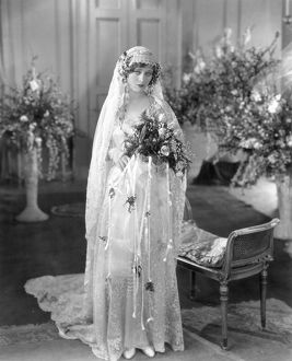 SILENT FILM: WEDDING. Dolores Costello.