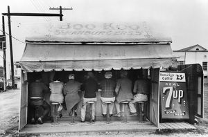 TEXAS: LUNCHEONETTE, 1939. An outdoor hamburger stand at Harlingen, Texas