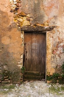 An old doorway at Rousillon in France.