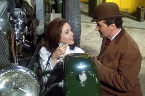 Diana Rigg and Patrick MacNee as Emma Peel and Steed