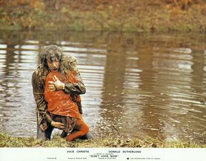 A dramatic image from Don't Look Now used in a lobby card