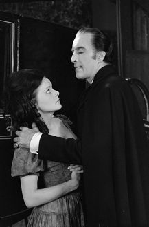 Wendy Hamilton as Julie and Christopher Lee as Dracula