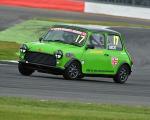 motorsport archive galleries/motorsport 2016 silverstone truck festival 13th august 2016/cm15 5914 louise inch super mighty mini