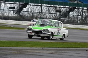 CM6 6816 Nic Strong, Ford Consul Classic