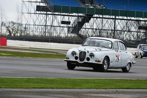 CM6 6827 Robert Strutt, Jaguar S type