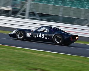 CM9 4851 Martin Hunt, Andrew Hall, Chevron B8