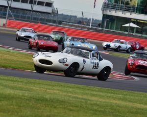 CM9 4952 Martin Hunt, Patrick Blakeney-Edwards, Jaguar E-Type
