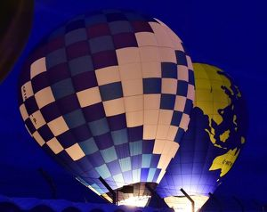 CM9 5541 Hot air balloons, night glow