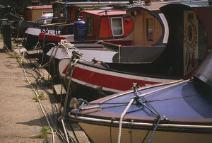 travel/england regents park canal little venice moored