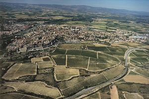 France, Languedoc-Roussillon, Aerial view of Carcassonne