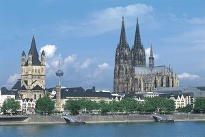 world heritage/people/germany cologne view cathedral unesco world