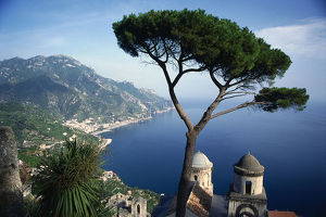 Italy, Campania, the coastline of the Amalfi Coast from the hilltown of Ravello