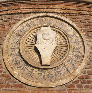 world heritage/building exterior/italy lombardy region milan apse carving church