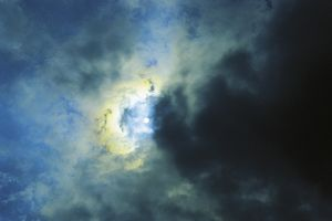 Meteorology: the sun among the clouds