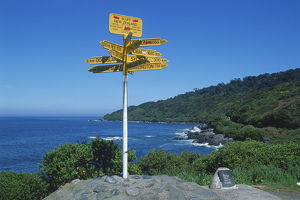 New Zealand, South Island, International signpost at Stirling Point, Bluff, Invercargill