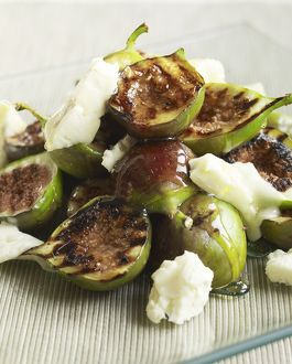 Roasted figs with cheese