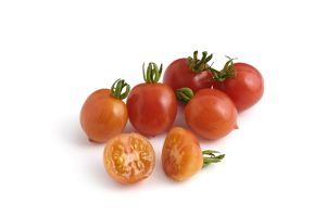 Whole and sliced German Riesentraube tomatoes
