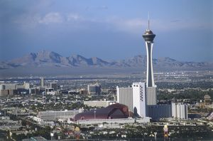USA, Nevada, Las Vegas, cityscape with Stratosphere Tower and mountains in the background