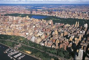 USA, New York, New York City, Aerial view of Upper West Side with Riverside Park