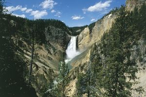 USA, Wyoming, Yellowstone National Park (UNESCO World Heritage List, 1976). Lower Waterfal