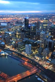 Melbourne City and Yarra river at cloudy dusk