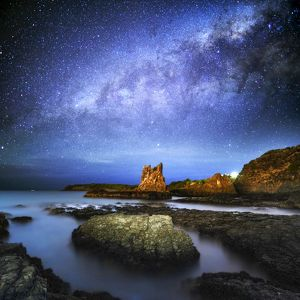 Milky way over Cathedral rock, Kiama, Sydney