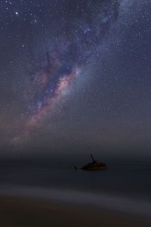 milkyway over old shipwreck the sygna