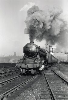 panoramic/flying scotsman a3 class steam locomotive leaving