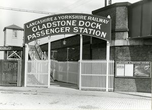 Gladstone Dock station (Liverpool), Lancashire and Yorkshire Railway. View of the