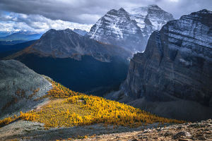 travel/unesco world heritage/autumn colors rockies banff national park alberta