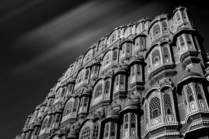 Black and white image of Hawa Mahal, Palace of Winds