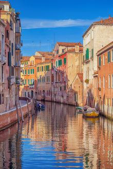 travel/photographer collections peter zelei images/canal venice