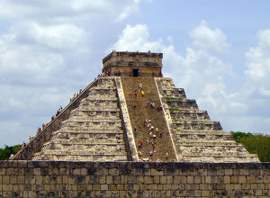 Chichen Itza Pyramid, Yucatan, Mexico (Wonders of the World)