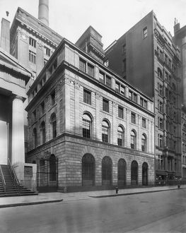 circa 1920: Exterior view of the new United States Assay Office Building