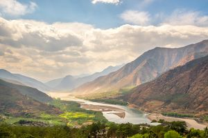 travel/unesco world heritage/famous bend yangtze river yunnan province china