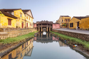 travel/photographer collections matteo colombo travel imagery/famous japanese covered bridge hoi an vietnam
