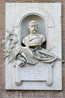 Monument to Benedetto Cairoli, freedom fighter Prime Minister, Piazza Indepenzia