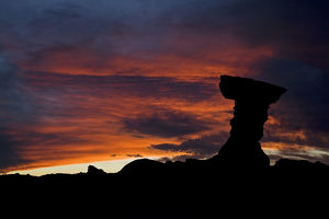travel/unesco world heritage/mushroom rock el hongo sundown national park