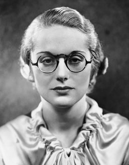 Portrait of woman wearing eyeglasses