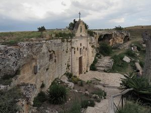 travel/unesco world heritage/prehistoric rock church gravina di matera matera