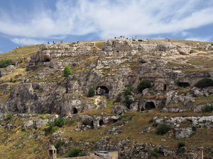 travel/unesco world heritage/prehistoric rock dwellings gravina matera basilicata