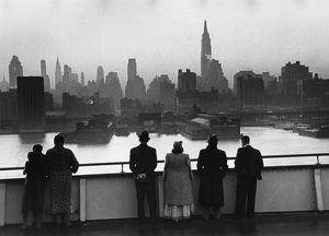 Queen Mary Passengers view New York Dawn