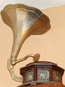 Retro revival, old gramophone