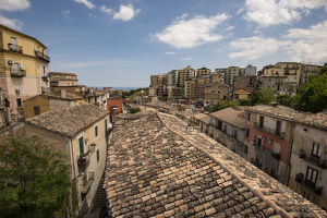 travel imagery/rooftop view corigliano calabro