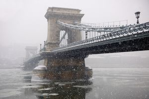 Szechenyi lanchid, or Szechenyi Chain Bridge, over the Danube between Buda and Pest