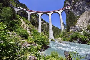travel/unesco world heritage/train rhaetian railway landwasser viaduct unesco