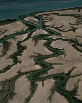 Meandering rivers between Wearyan River and Clarkson Point,