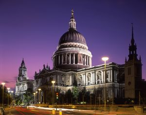 St Paul's Cathedral at night,