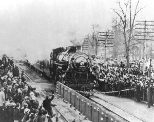 The 400 crack steam train of the Chicago and North Western Railway rivalled the famous